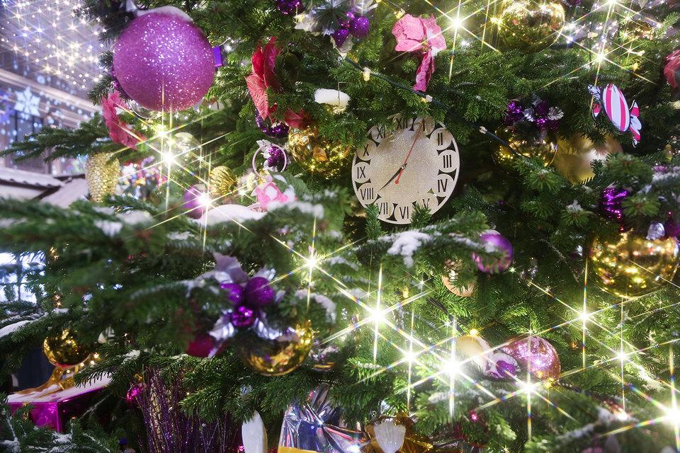 В большинстве отелей празднование Нового года не ограничивается новогодним ужином