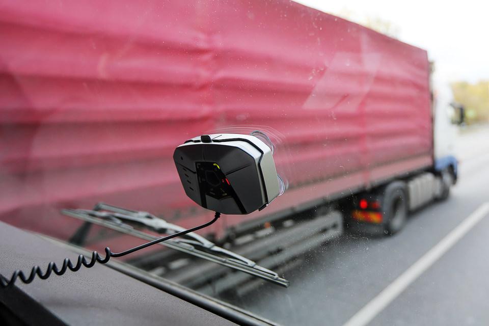 """Система """"Платон"""", вводящая плату за проезд для грузовиков массой более 12 т, начала действовать с 15 ноября"""