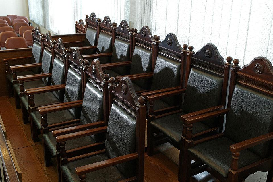 Представитель правительства настаивает, что лишение женщин суда присяжных нарушает их права