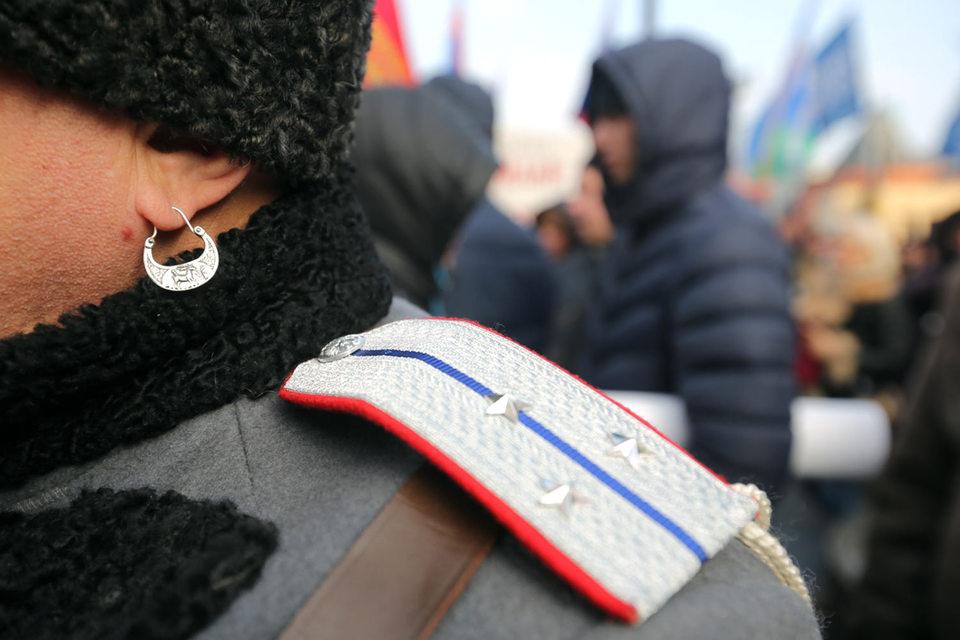 Контракт с казаками был заключен 31 декабря, подчеркивает Дмитриев, их организацию как единственного поставщика рекомендовал Совет судей