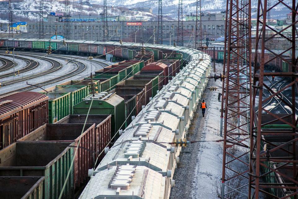 Правительство помогает заводам продавать новые вагоны