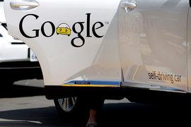 Программу, управляющую самоходным автомобилем Google, приравняли к водителю