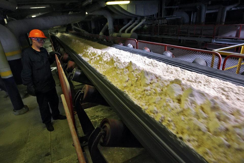 Девальвация рубля сделала производство глинозема в России выгодным