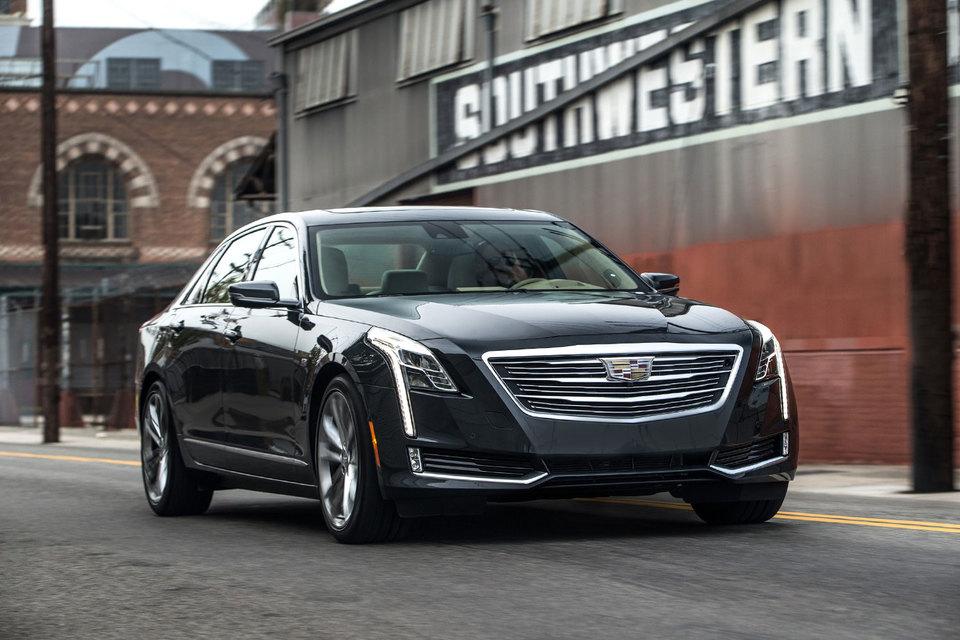 Достаточно взглянуть на Cadillac CT6, чтобы понять – эта машина не про разрыв шаблонов, технологическую революцию и аутичных гениев в свитшотах