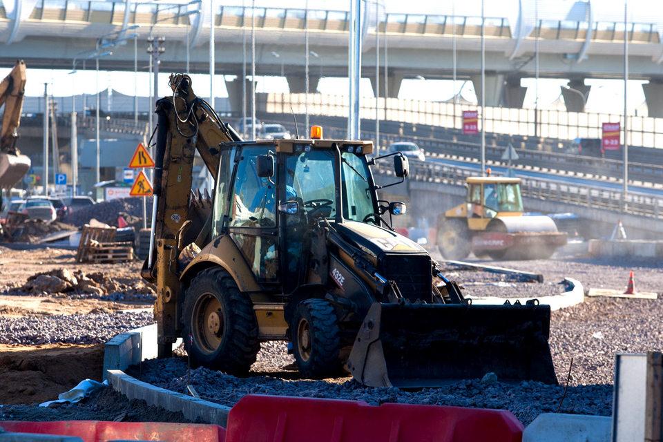 Несмотря на запрет УФАС, Дирекция транспортного строительства подвела итоги шести конкурсов на ремонт дорог в 15 районах города на 1,8 млрд руб.