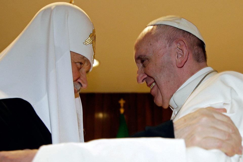 Первая в истории встреча Патриарха Московского и Всея Руси и Папы Римского в пятницу в Гаване завершилась подписанием совместной декларации