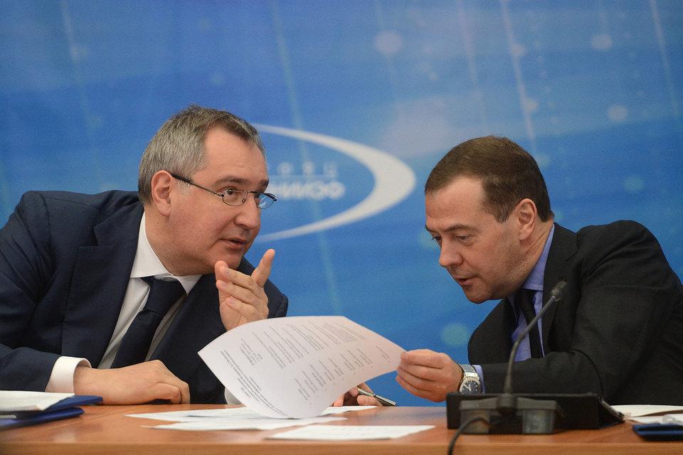 Директор Саровского ядерного центра пообещал на совещании премьеру Дмитрию Медведеву IT-систему под стать именитым западным продуктам