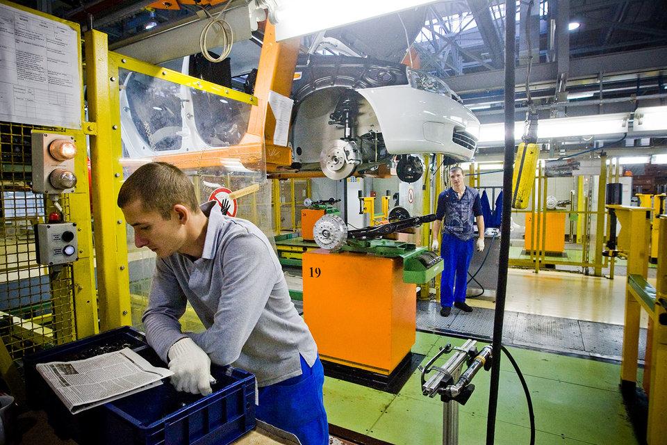 С 15 февраля сотрудники «АвтоВАЗа» были переведены на четырехдневную рабочую неделю сроком на полгода
