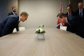 Премьер-министр Дэвид Кэмерон (на фото справа) выторговал у президента Европейского совета Дональда Туска особые условия для Великобритании