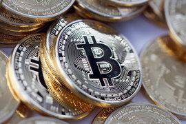 Проблемы регулирования биткоина повлияли на отношение к лежащей в его основе технологии
