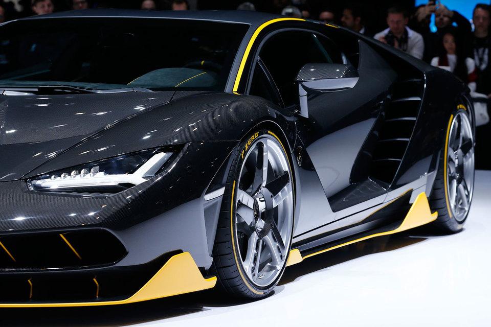 """Все 40 экземпляров """"юбилейного"""" Lamborghini Centenario стоимостью от 1,75 млн евро уже распроданы"""
