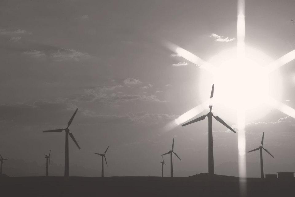 С 2009 по 2015 г. себестоимость ветряной электроэнергии упала на 61%