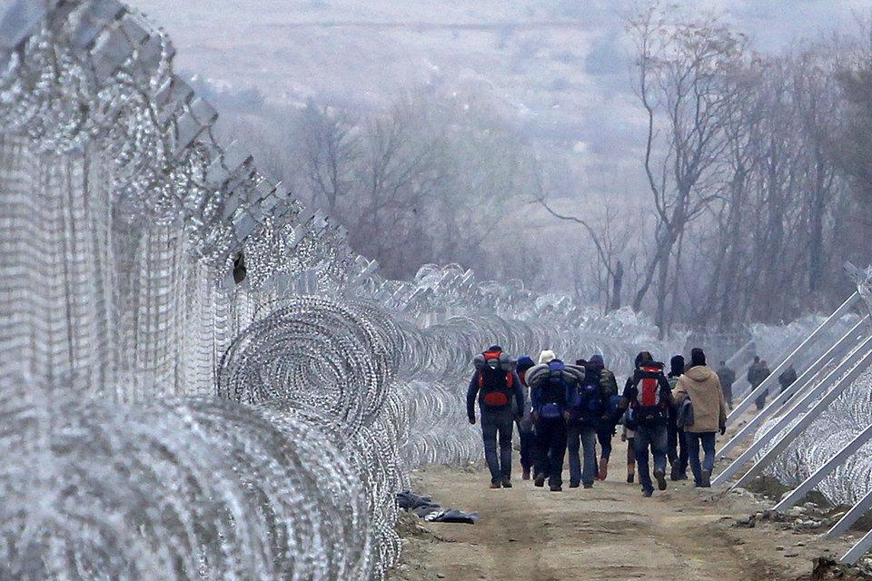 Из-за высокого уровня террористической угрозы и потока беженцев Франция и Германия инициировали включение нового пункта в Шенгенский договор
