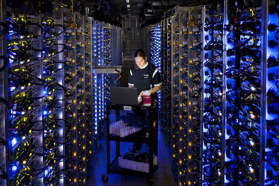 Google показал сервер