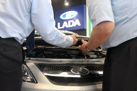 Несколько российских автозаводов, включая «АвтоВАЗ», приостановили поставки автомобилей в Казахстан