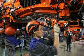 Расширение экспорта при падающем внутреннем спросе – единственный выход для автоконцернов, чтобы поддержать производство