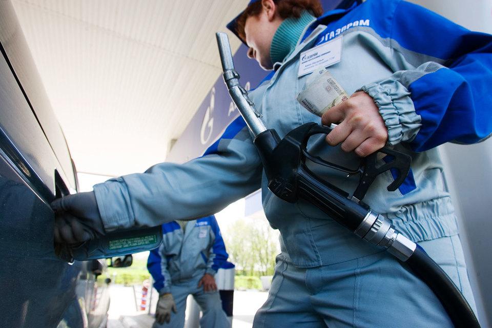 С начала года цена на Аи-95 «Газпром нефти» выросла на 4000 руб. за тонну до 41 000 руб., на Аи-92 — на 5200 руб. до 40 300 руб.