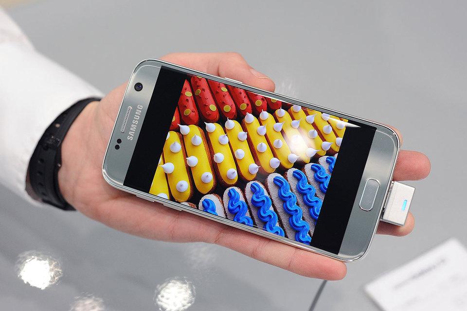 Galaxy S7/S7 edge продается по той же цене, что и флагман предыдущего поколения с минимальным объемом памяти
