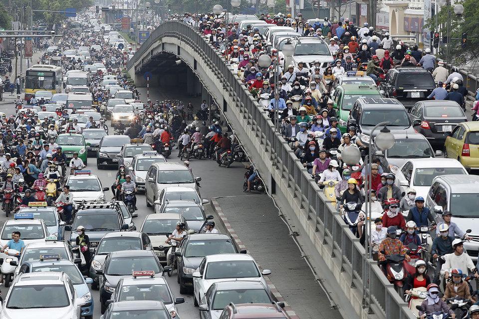 В 2015 г. во Вьетнаме продажи легковых автомобилей выросли почти в 1,5 раза до 117 288 шт.