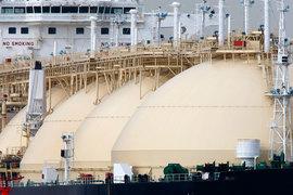 Загрузка танкера сжиженным газом