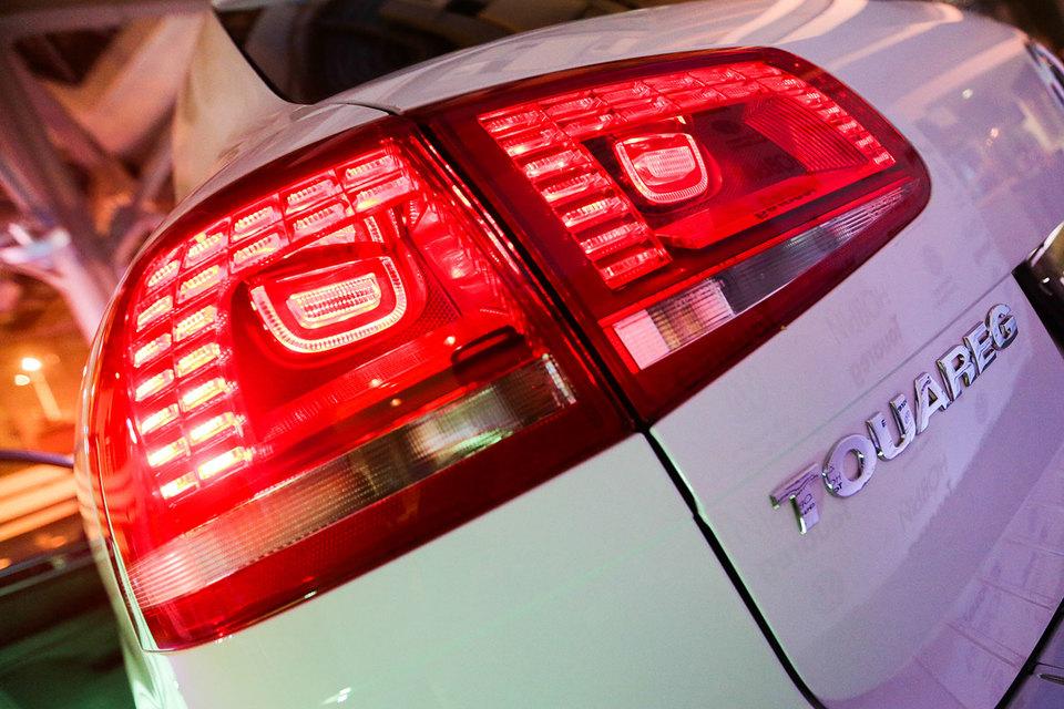 В общей сложности в новой глобальной сервисной кампании группы Volkswagen участвуют 391 000 Touareg и почти 410 000 Cayenne