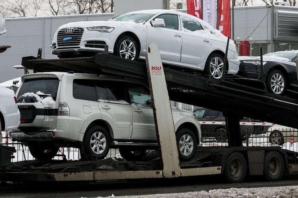 Продажи легковых автомобилей в феврале снизились всего на 5%
