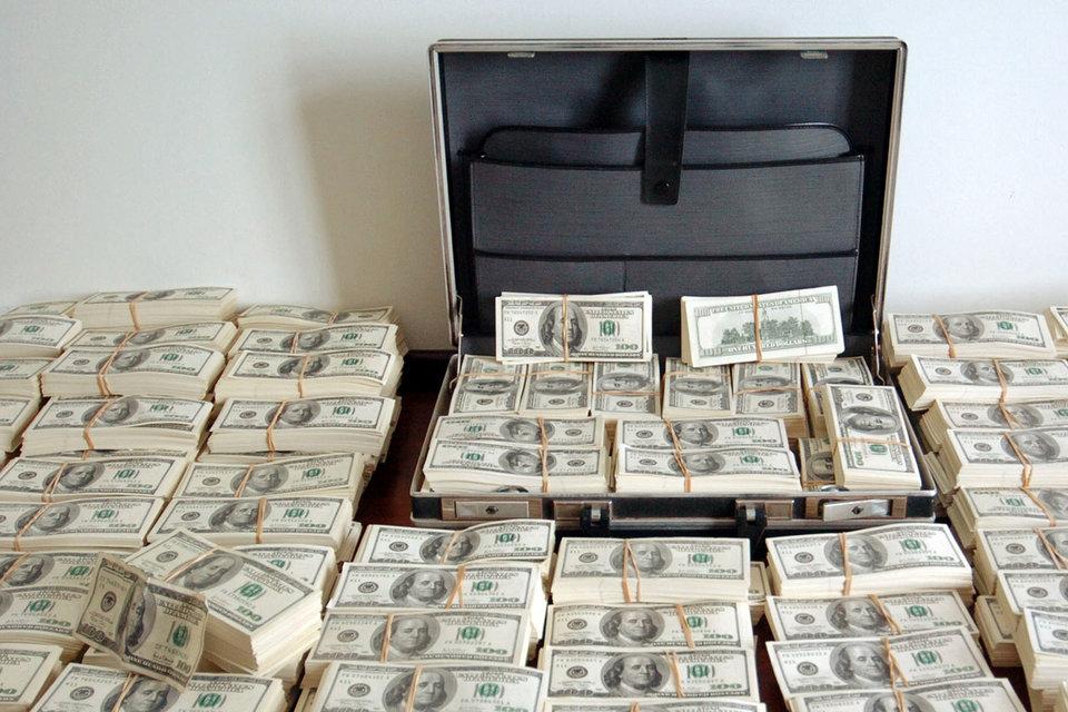 Многие операции по пересылке денег теперь осуществляются в США вне банковской системы