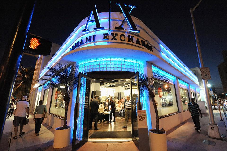 Первые магазины Armani Exchange откроются в России уже весной