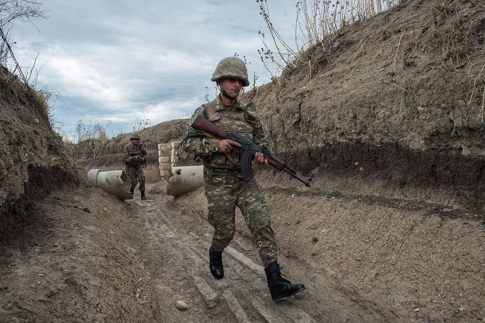 Военнослужащие самопровозглашенной республики Нагорный Карабах, архивный кадр