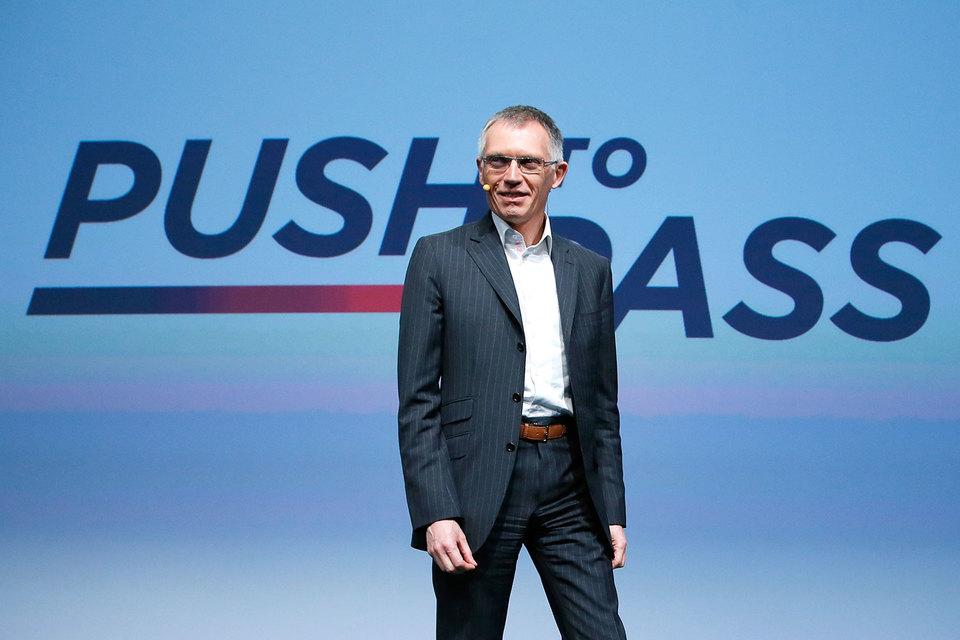 «Мы обеспечим PSA прибыльный органичный рост», - пообещал на презентации новой стратегии Push to Pass президент и гендиректор PSA Peugeot Citroen Карлос Таварес