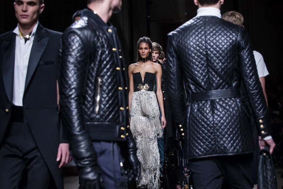 Владелец итальянского модного дома Valentino может приобрести Pierre Balmain за 500 млн евро. Владельцы Pierre Balmain должны принять решение до 7 апреля