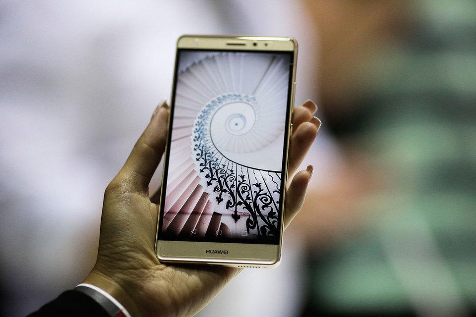 За год с апреля 2015 г. продажи гаджетов через собственный интернет-магазин принесли Huawei около 900 млн руб. На него пришлось почти 20% продаж ее смартфонов