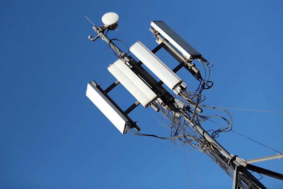 Антимонопольная служба вступилась за оператора «Энлаин». Она возбудила дело против Минкомсвязи в связи с решением, не дающим «Энлаину» строить LTE-сети