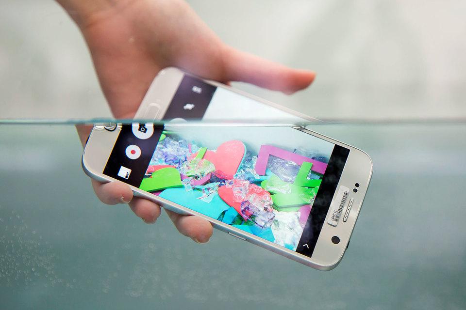 Дешевые модели Samsung внешне напоминают флагман – GalaxyS