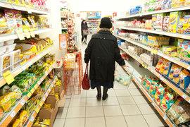 Покупатели стали меньше ходить в магазины – так же, как в 2014 г.