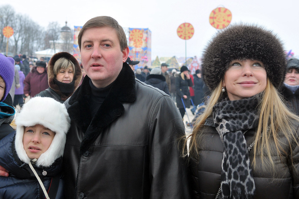 Псковский губернатор Андрей Турчак с семьей