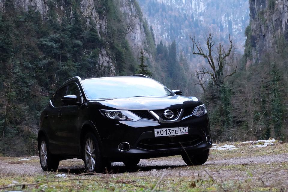 Крутобокие Nissan Qashqai смотрелись в Абхазии пришельцами из другого мира