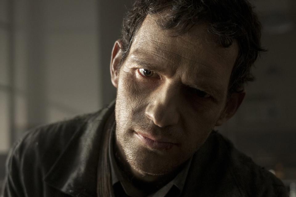 Роль Саула – весь фильм на крупных планах – сыграл поэт и панк-музыкант Геза Рериг