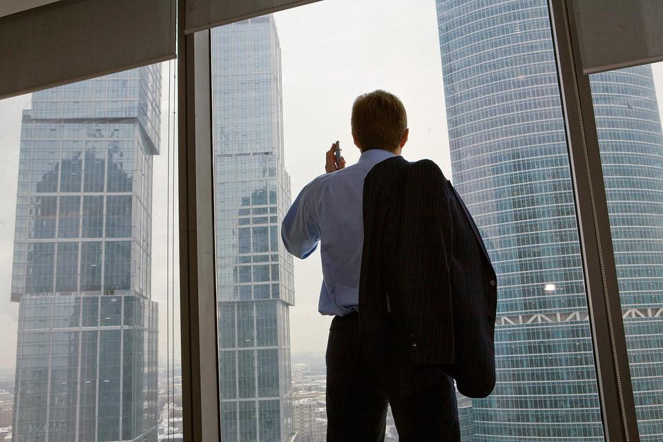 Крупнейшие госбанки либо незначительно уменьшили вознаграждение топ-менеджерам, либо даже увеличили