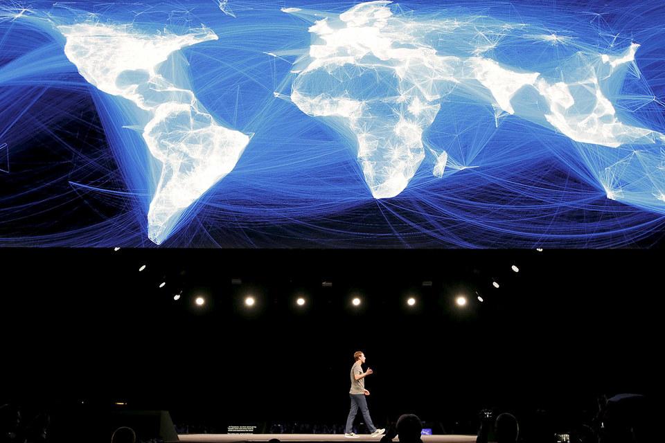 Марк Цукерберг хочет развивать связи между людьми мира