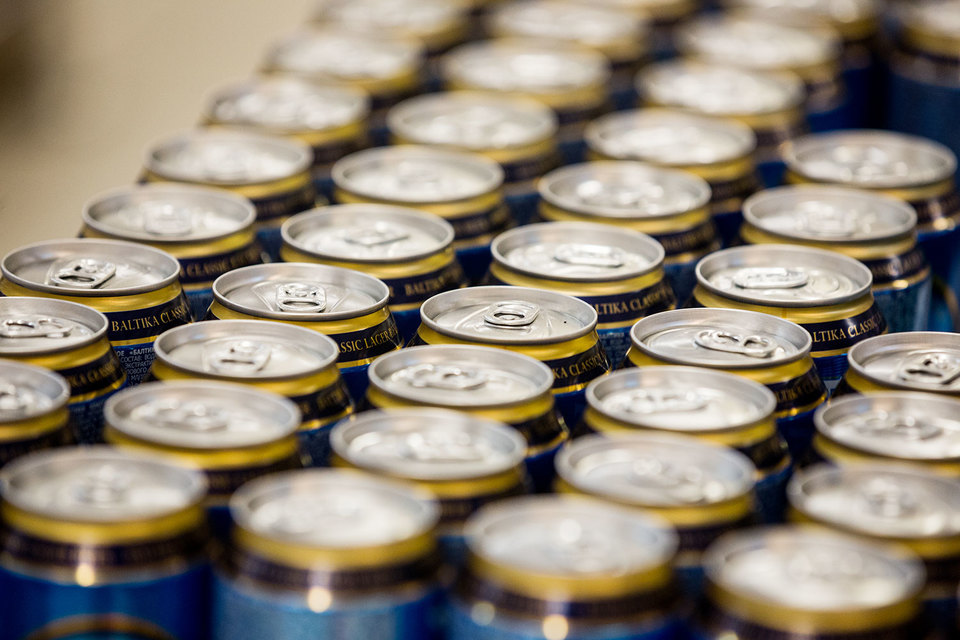 «Возможно, вам представляется, что запрет пластика приведет к переключению потребления пива на алюминиевую банку, но это не так», — говорится в открытом письме пивоваров