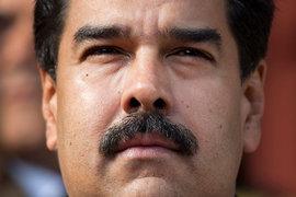 С помощью лояльного Верховного суда президент Николас Мадуро последовательно лишает полномочий оппозиционный парламент