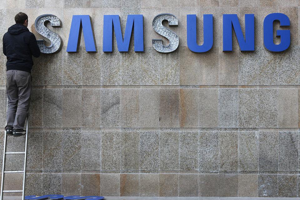 Сейчас у Samsung около 200 фирменных салонов по всей России, а может стать на треть больше