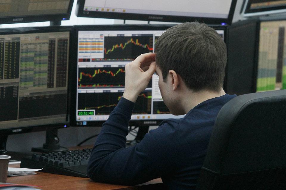 Россияне проигрываются на бирже в среднем за девять месяцев, сообщил Центробанк и потребовал от брокеров сменить бизнес-модель с быстрого заработка на выращивание долгосрочного инвестора