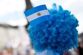 Аргентина вернулась на международный долговой рынок через 15 лет после рекордного дефолта