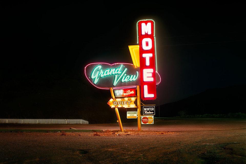 Стив Фитч. Мотель «Гранд Вью», 85-е шоссе, Ратон, Нью-Мексико. 1980