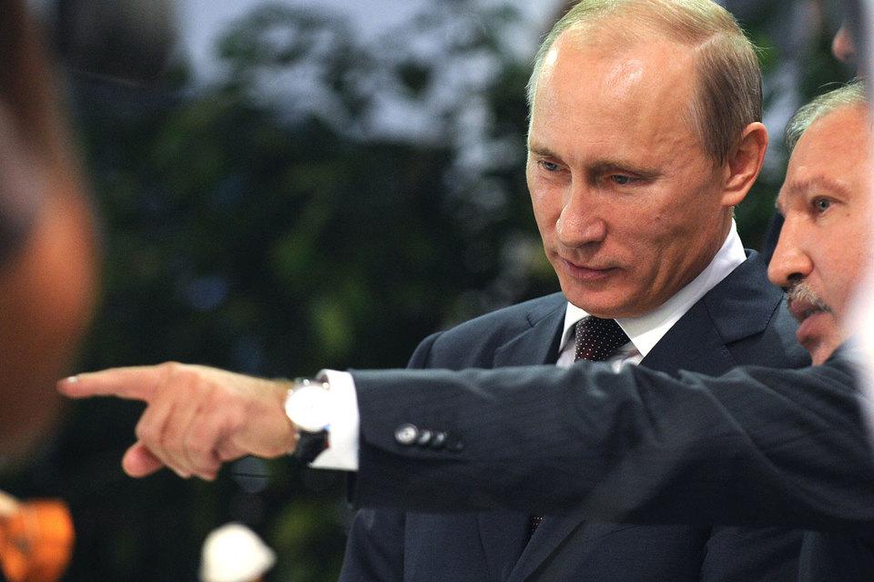 Президент Путин (слева) поручил изучить интерес Эдуарда Худайнатова к «Башнефти»