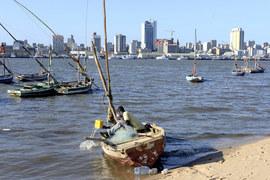 Вместо судов для ловли тунца Мозамбик направил деньги международных инвесторов на боевые катера