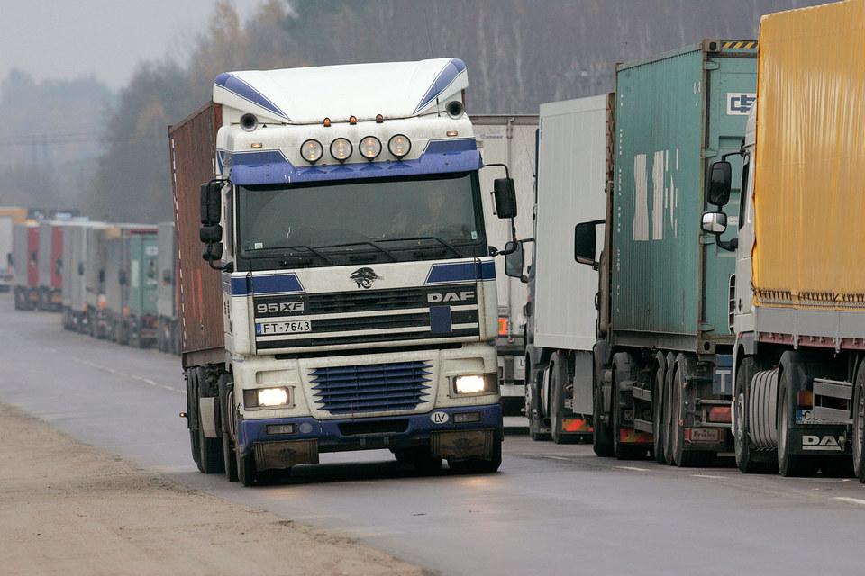 Россия вводит сборы с грузовиков, зарегистрированных в других странах, если те вводят плату для российских перевозчиков