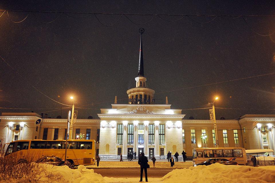 Заксобрание Карелии в четверг приняло в первом чтении законопроект о возвращении прямых выборов мэра Петрозаводска
